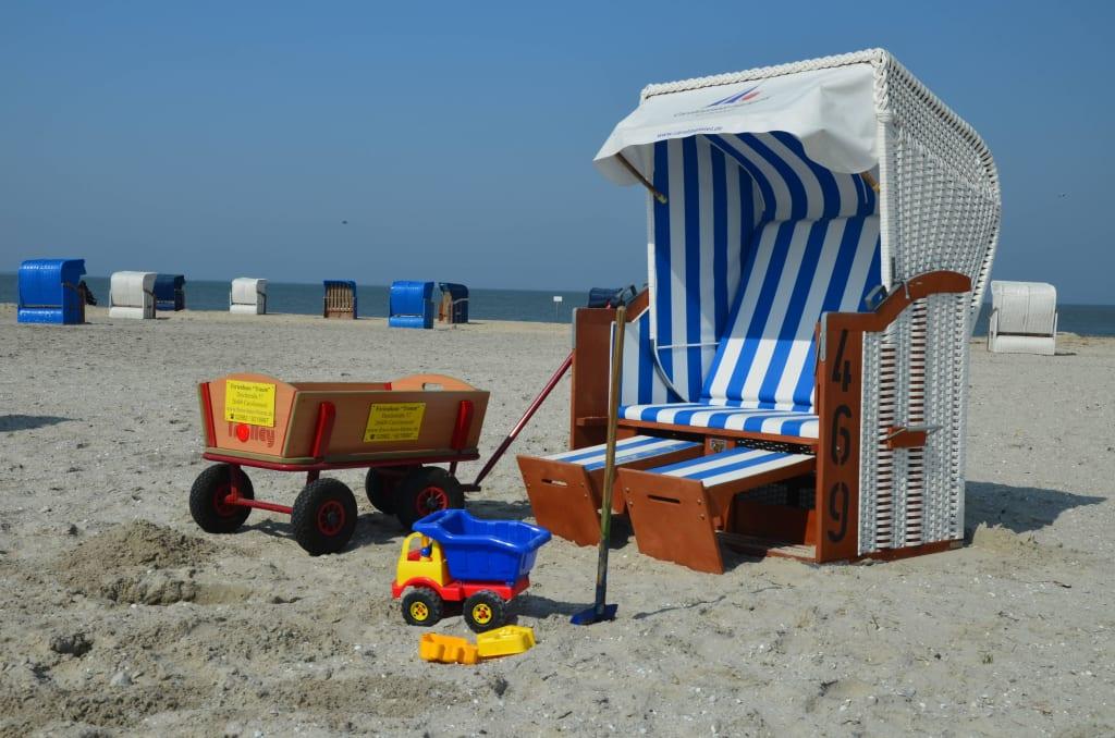Strandkorb am meer  Bild