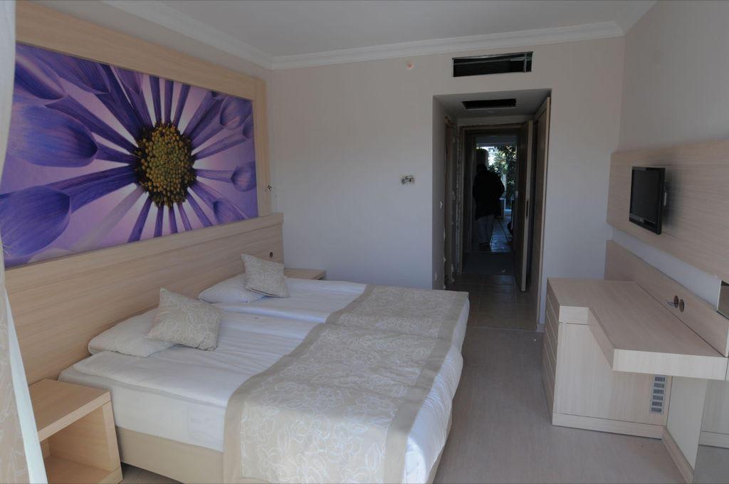 bild neue zimmer zu seaden hotel side corolla in side. Black Bedroom Furniture Sets. Home Design Ideas