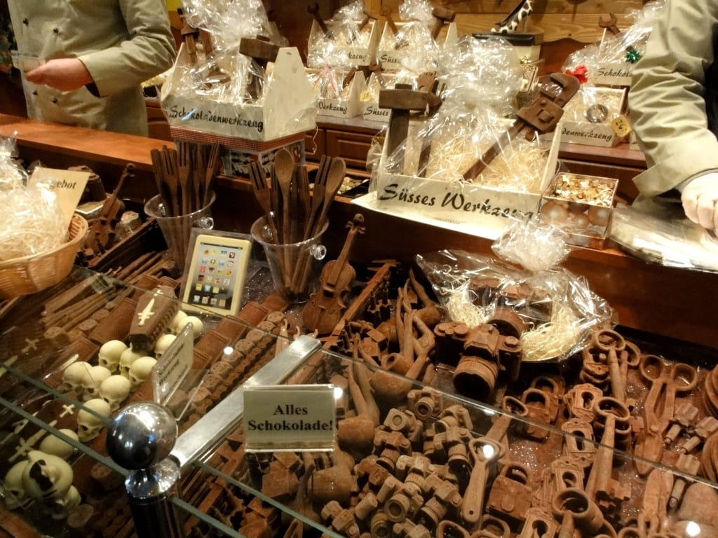bild alle werkzeuge sind aus schokolade zu weihnachtsmarkt bonn in bonn. Black Bedroom Furniture Sets. Home Design Ideas