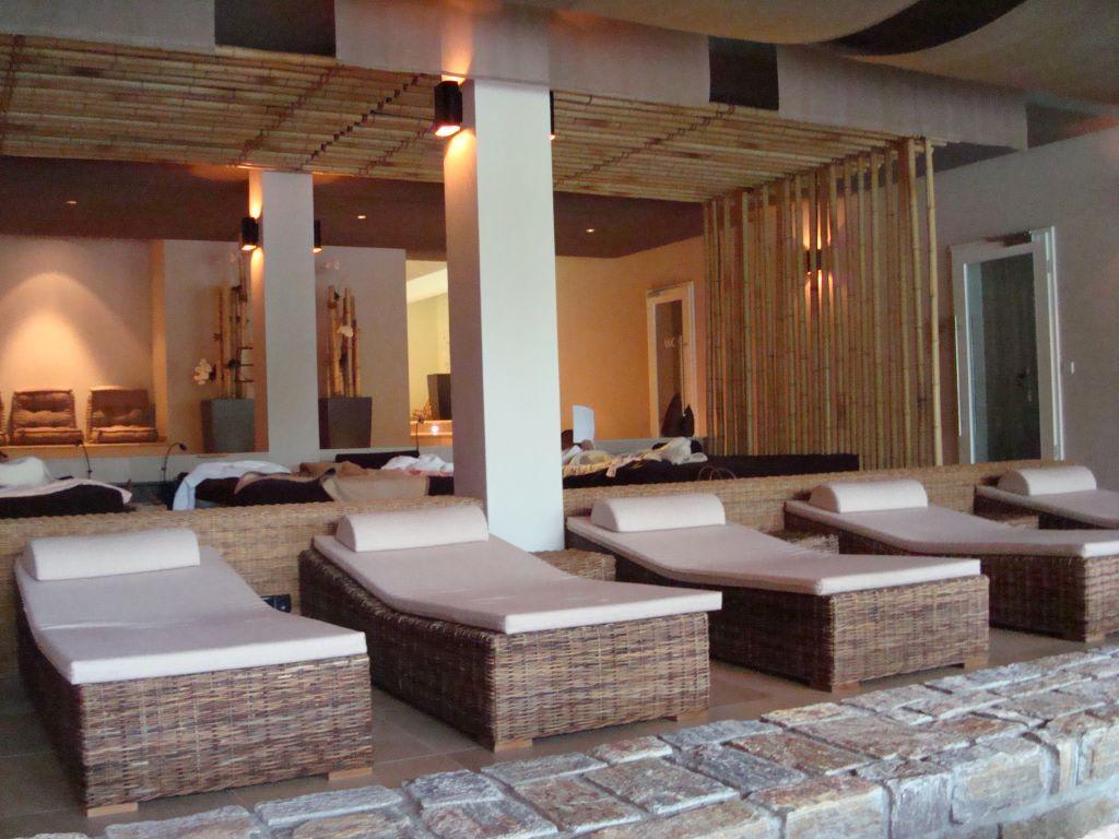 bild ruheraum mit wasserbetten und liegen zu hotel lauterbad in freudenstadt. Black Bedroom Furniture Sets. Home Design Ideas