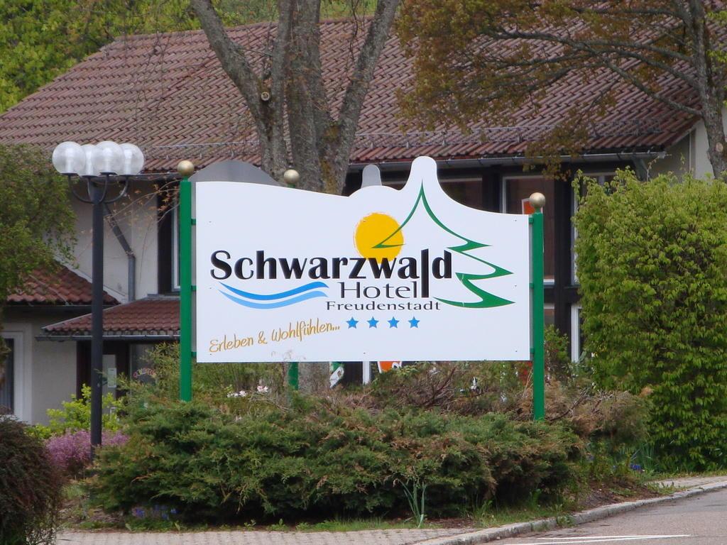 bild hotelschild zu hotel schwarzwald freudenstadt in freudenstadt. Black Bedroom Furniture Sets. Home Design Ideas