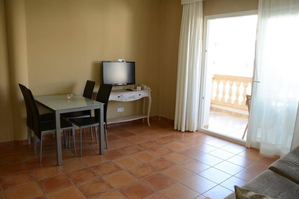 Wohnzimmer Ohne Sofa Bild Quot Couch Zu Aparthotel La Pergola In Port D