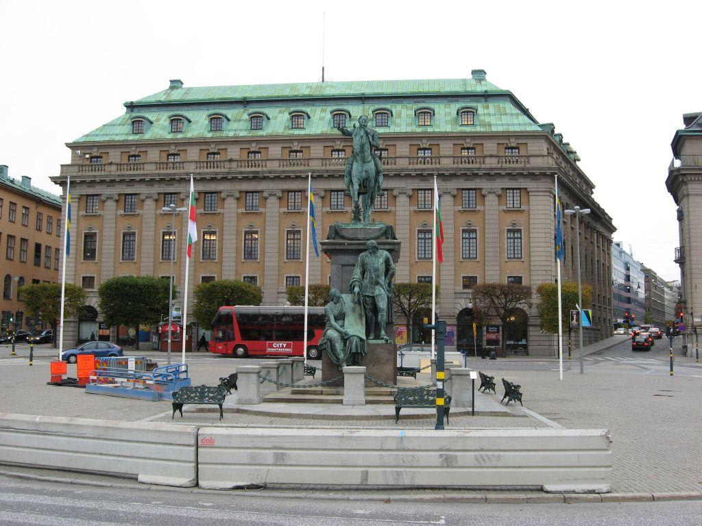 bild reiterstandbild gustav ii adolf zu k nigliche oper in stockholm. Black Bedroom Furniture Sets. Home Design Ideas