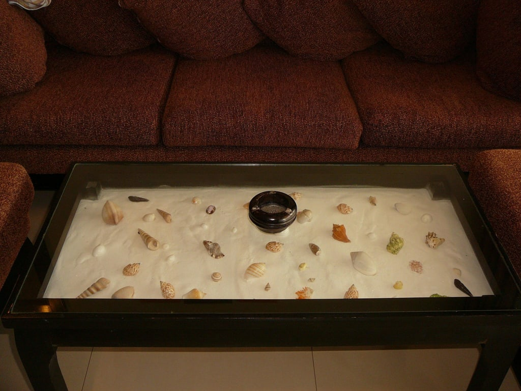 Tischdeko Sand Muscheln : Glastisch mit Muscheleinlage Bilder Zimmer ...