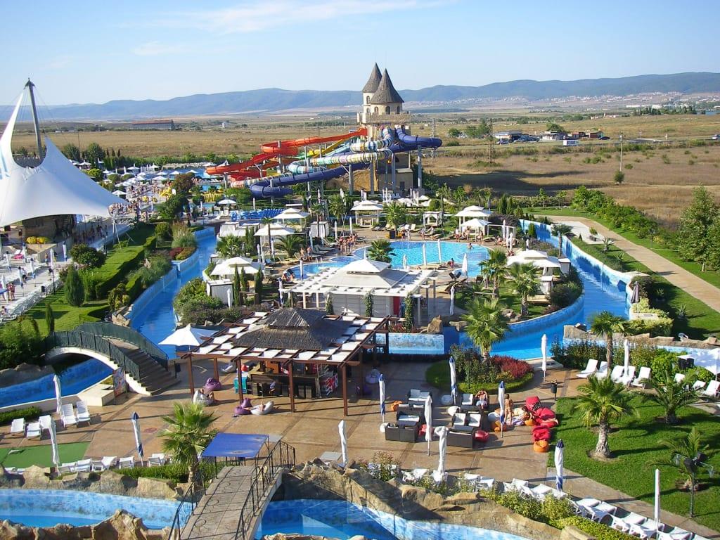 Aquapark bild hotel sunset resort in pomorie bulgarien for Sunset lodge