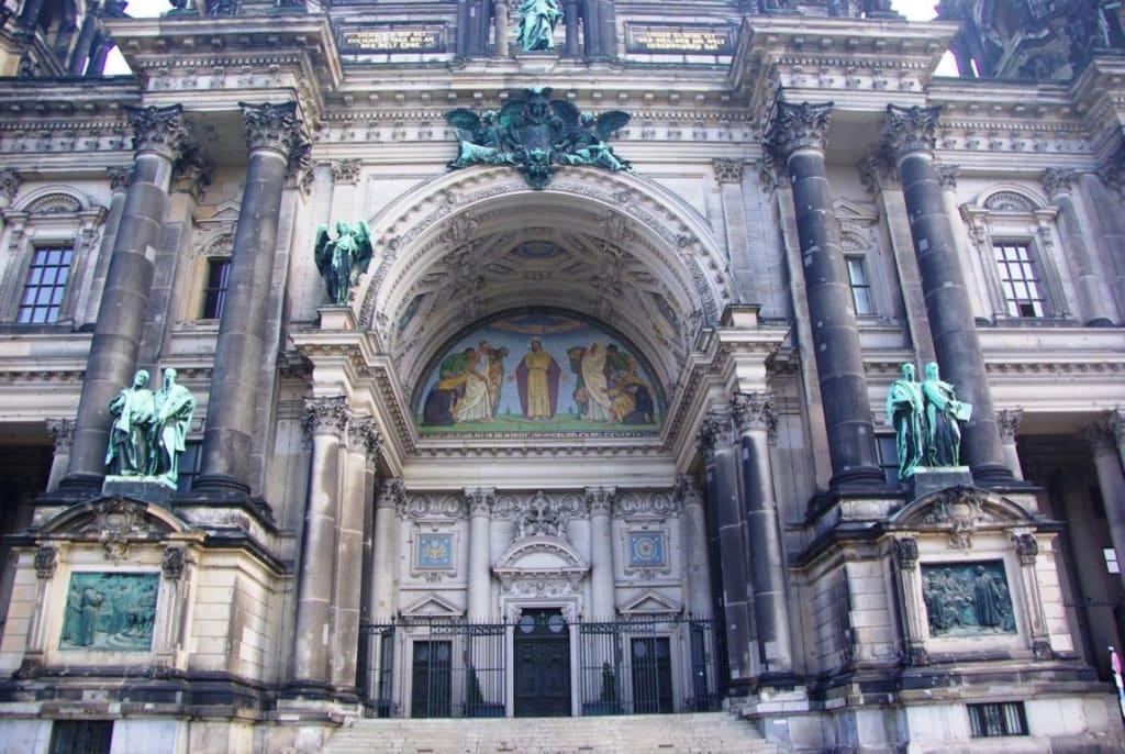 Bild Berliner Dom Eingang Gesamt Zu Berliner Dom In Berlin Mitte