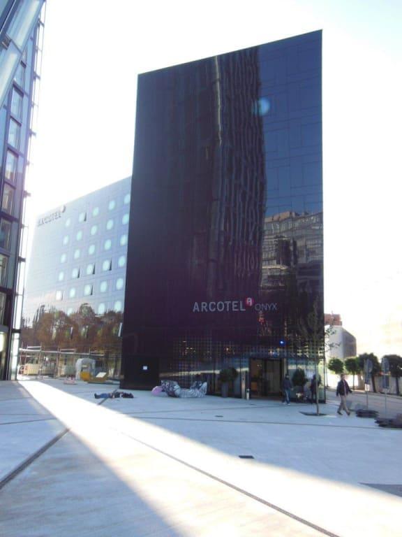 Bild moderne architektur zu arcotel onyx hamburg in hamburg for Moderne architektur hamburg