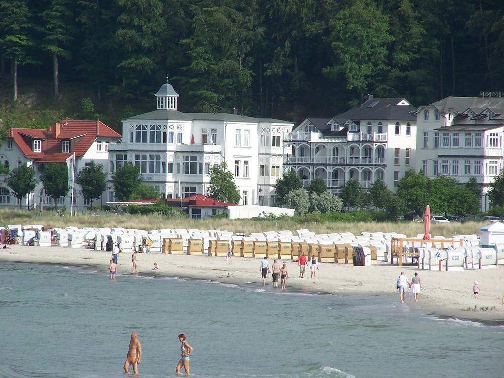 bild strand von binz zu strand binz auf r gen in binz auf r gen. Black Bedroom Furniture Sets. Home Design Ideas