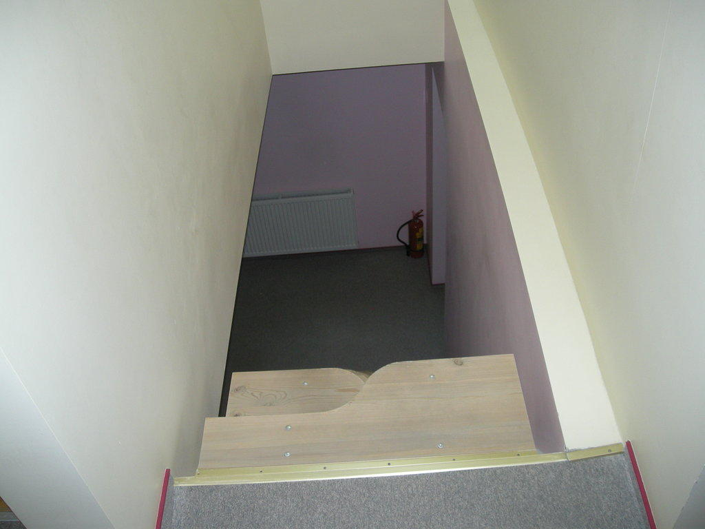 bild rettungsweg im dg sambatreppe zu hotel grafaites. Black Bedroom Furniture Sets. Home Design Ideas