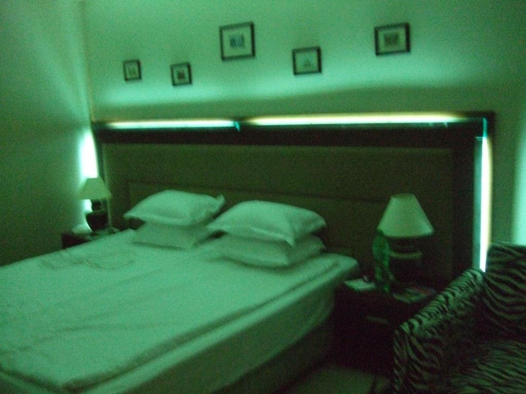 Led Beleuchtung Unter Bett : Beleuchtung Unter Bett  Bild quot bett mit indirekter beleuchtung