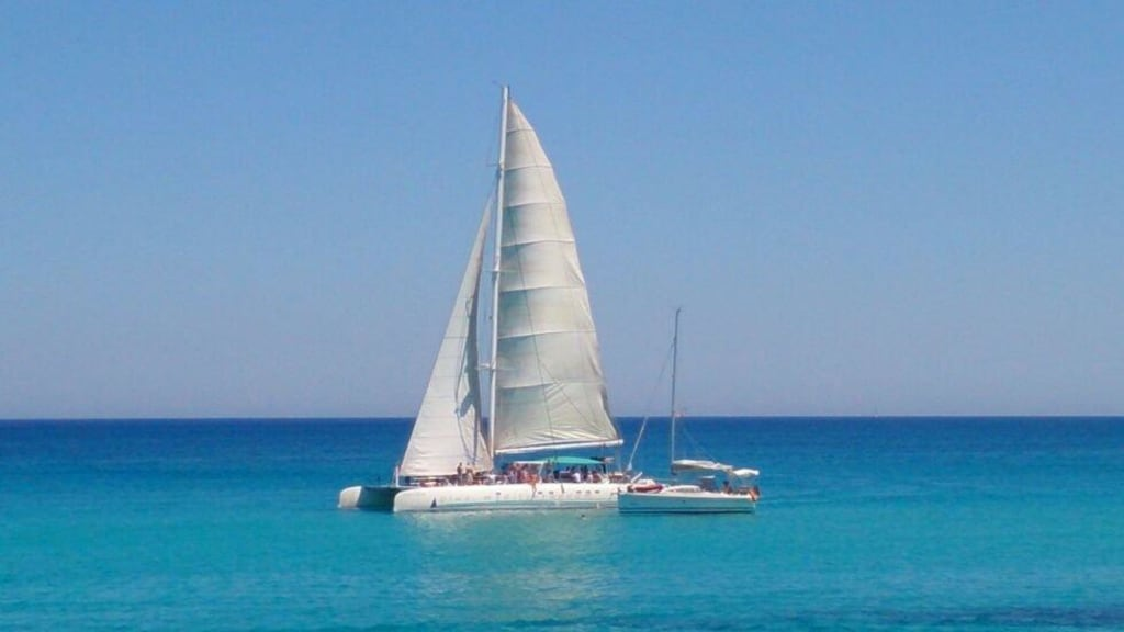 Segelkatamaran  Partyboot Party-Segel-Katamaran in Cala Ratjada