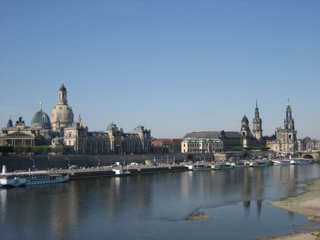 Bild Panorama Dresden Elbe Zu Bruhlsche Terrasse In Dresden