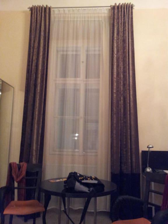 beautiful hohe fenster dachschraege maisonette ideas. Black Bedroom Furniture Sets. Home Design Ideas