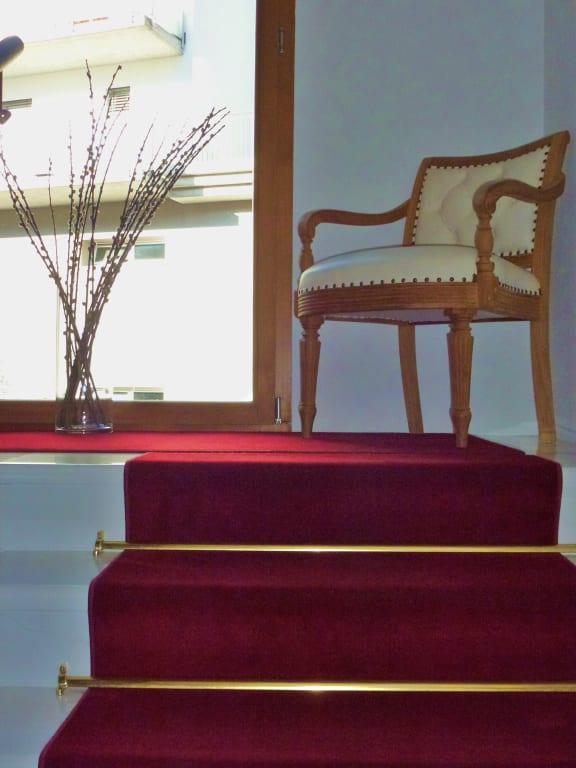 treppenhaus teppich sch nes gewebe macht den richtigen. Black Bedroom Furniture Sets. Home Design Ideas