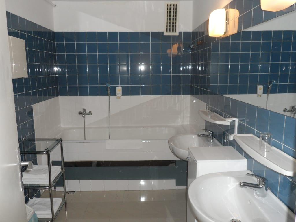 bild ein bad denkmal es gibt auch neue b der albrec zu albrechtshof gohrisch hotel garni. Black Bedroom Furniture Sets. Home Design Ideas