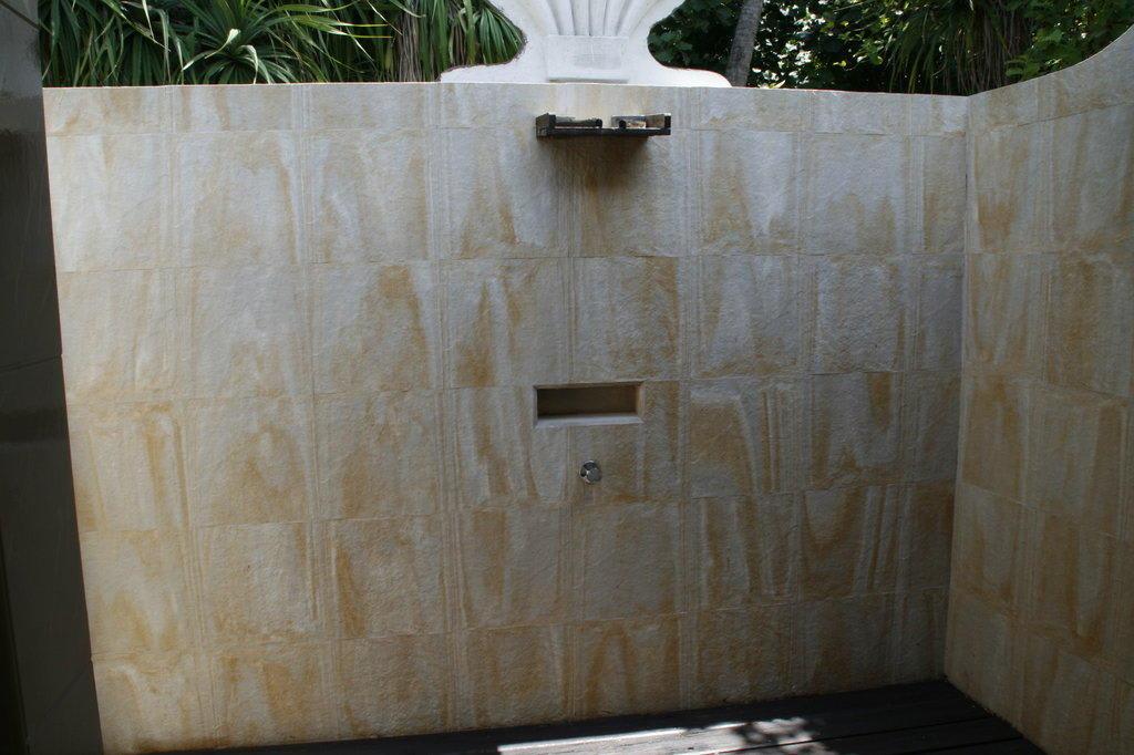 offene dusche kleines bad raum und m beldesign inspiration. Black Bedroom Furniture Sets. Home Design Ideas