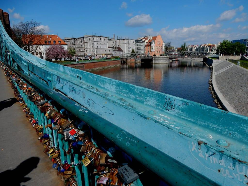 Bild Brucke Mit Schlossern Zu Dominsel In Wroclaw Breslau