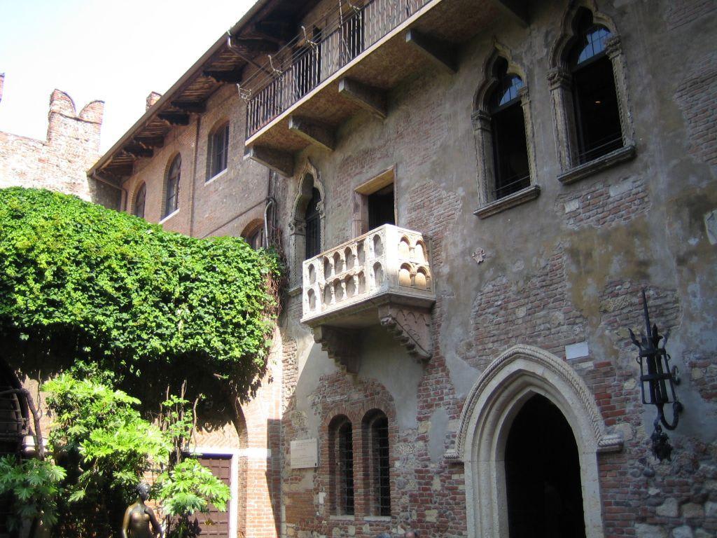 Bild Balkon Von Romeo Julia Zu Julias Balkon Haus In Verona
