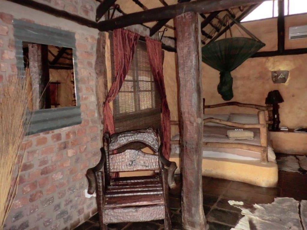 bild zimmer 3 bett zu roy 39 s rest camp in grootfontein. Black Bedroom Furniture Sets. Home Design Ideas