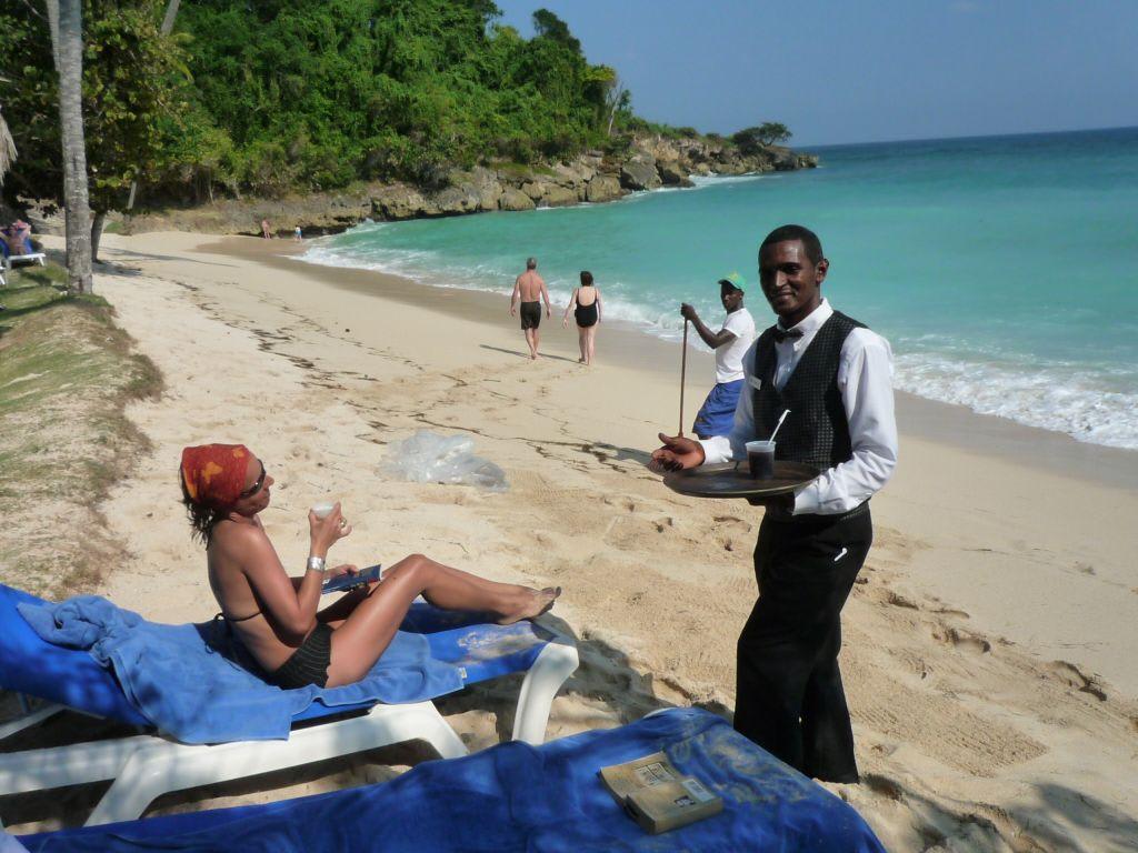 Bild am windigen strand von cayo levantado zu luxury for Hotel luxury grand bahia principe cayo levantado