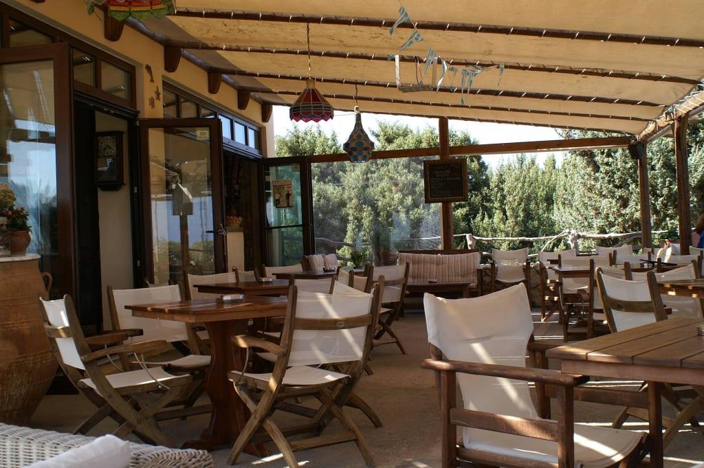 bild einrichtung der terrasse zu aplo beach bar cafe in On einrichtung terrasse
