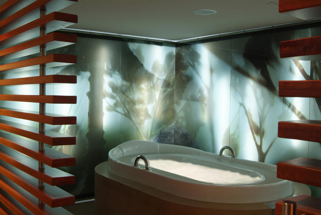 bild whirlwanne zu romantik hotel neum hle in wartmannsroth. Black Bedroom Furniture Sets. Home Design Ideas