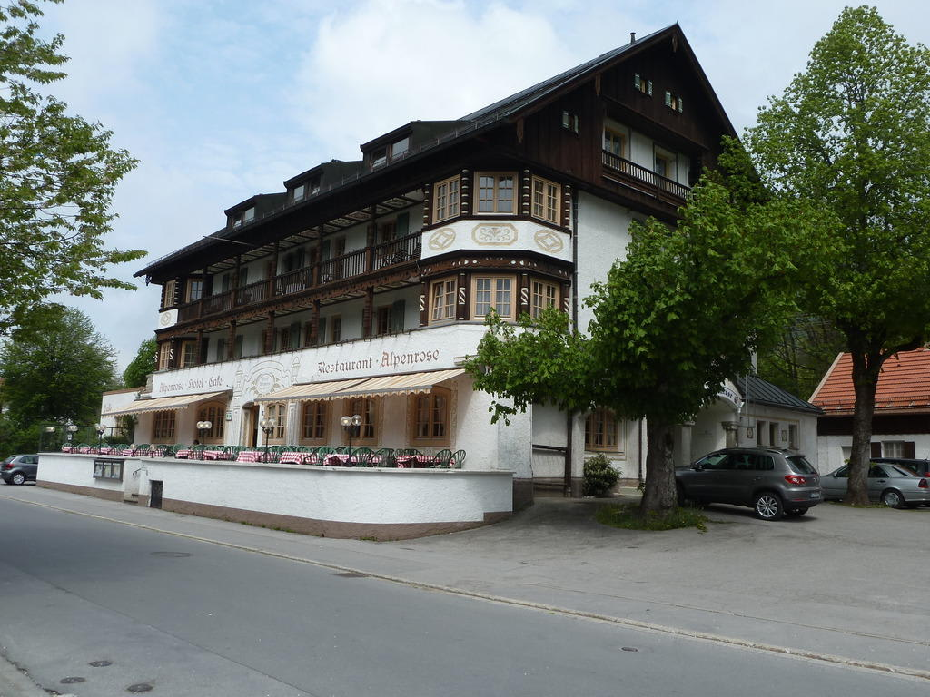 bild au enansicht zu restaurant hotel alpenrose in bayrischzell. Black Bedroom Furniture Sets. Home Design Ideas