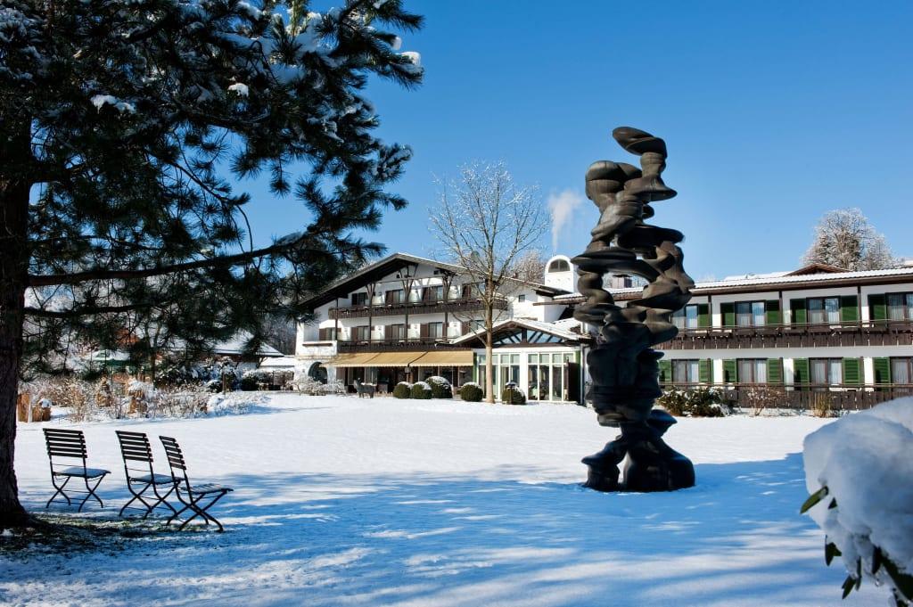 bild hotel im winter so sch n kann winter sein zu hotel alpenhof murnau in murnau am staffelsee. Black Bedroom Furniture Sets. Home Design Ideas