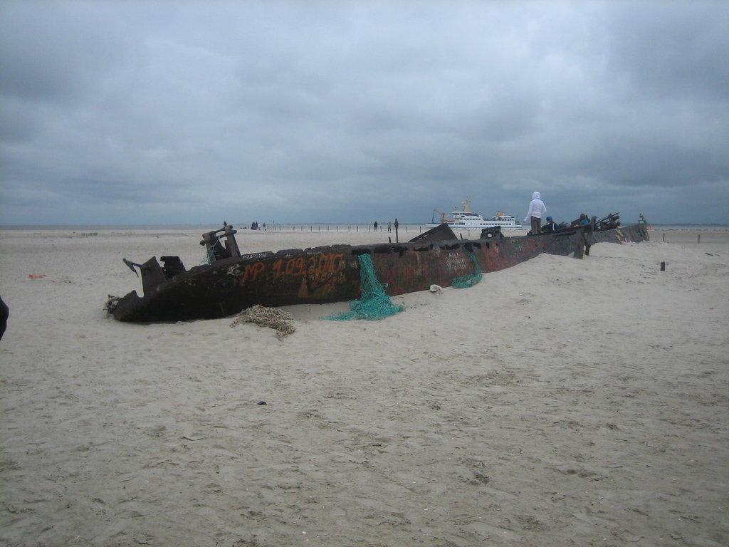 """Bild """"Strand- und Freibad Norddeich"""" zu Hafen Norddeich in Norden"""