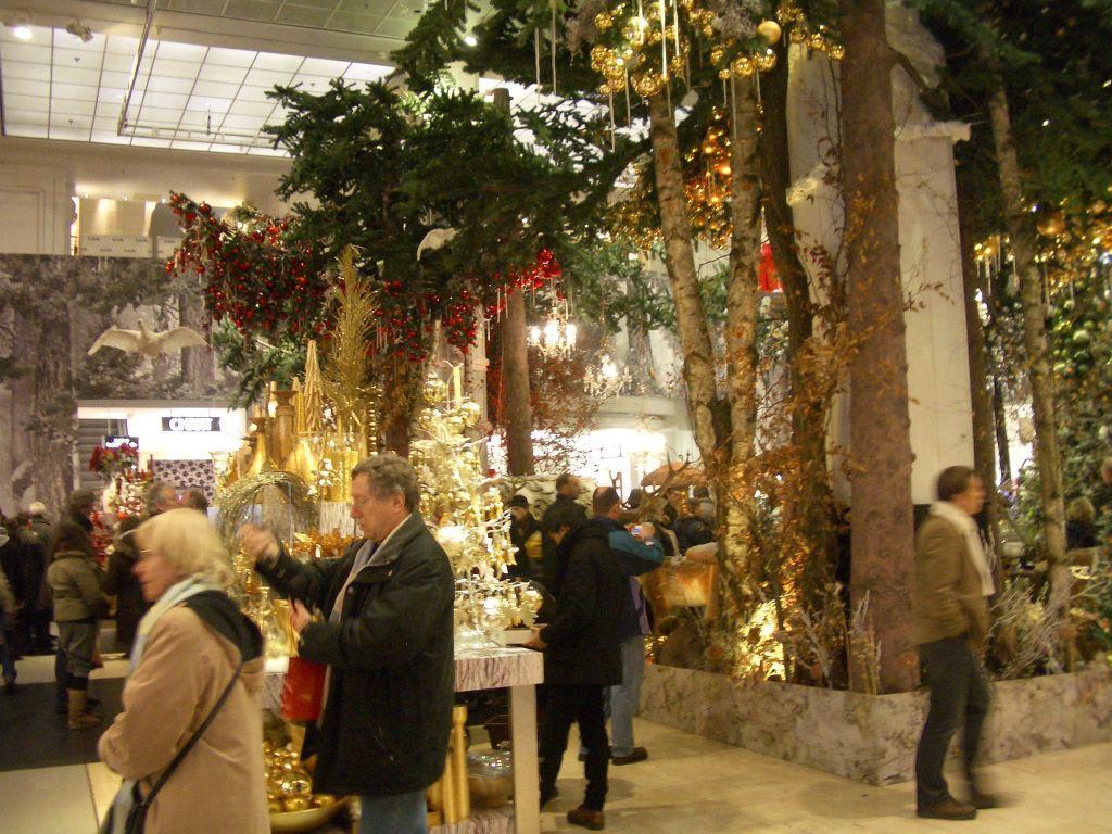Bilder weihnachtsdeko im kadewe reisetipps for Bilder weihnachtsdeko