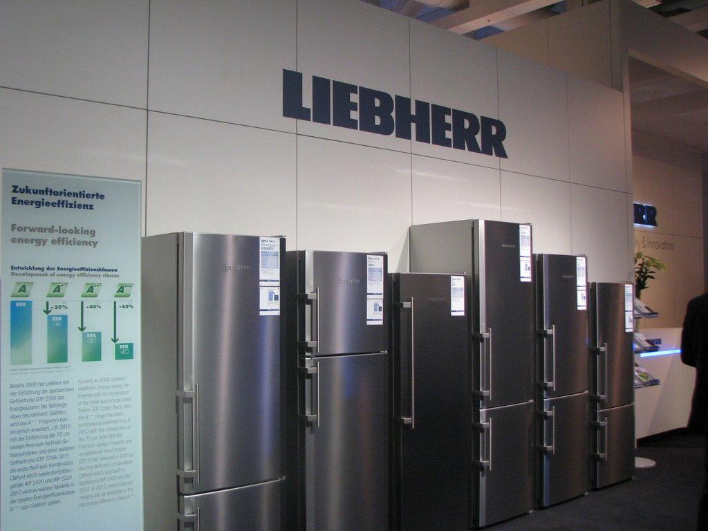 bild k hlschr nke von liebherr zu ifa internationale funkausstellung in berlin. Black Bedroom Furniture Sets. Home Design Ideas