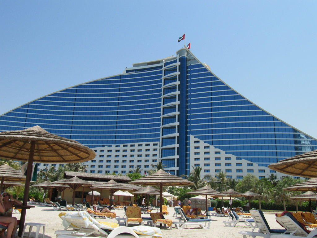 bild jumeirah beach hotel 6 sterne zu jumeirah beach. Black Bedroom Furniture Sets. Home Design Ideas