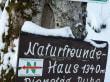 Hüttenhinweisschild am Rinkenwanderweg