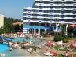 Basen i widok na Hotel Triaka Plaza - Hotel Trakia
