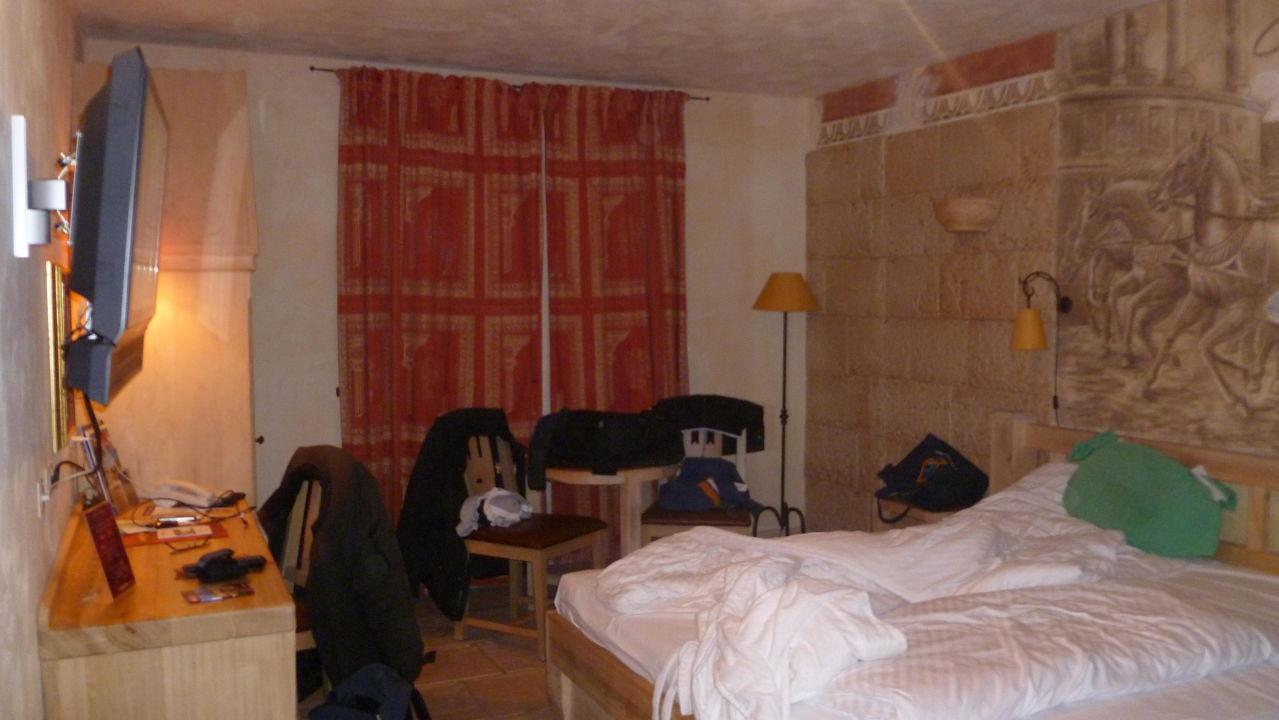 Vue de nuit depuis chambre sur Piazza Roma Hotel Colosseo Europa-Park