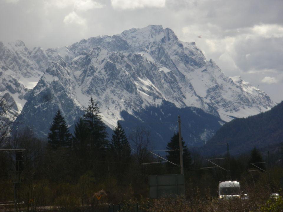 Verschneite Berge Hotel Alpenhof