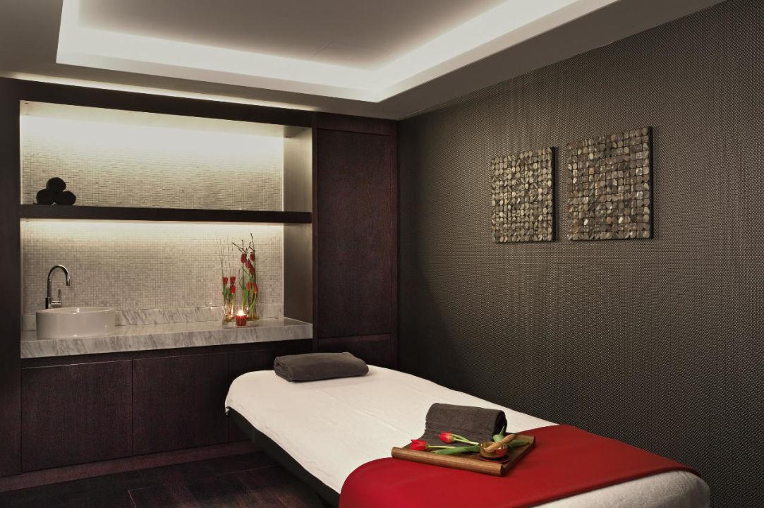 Treatment Room Hotel Schweizerhof Bern