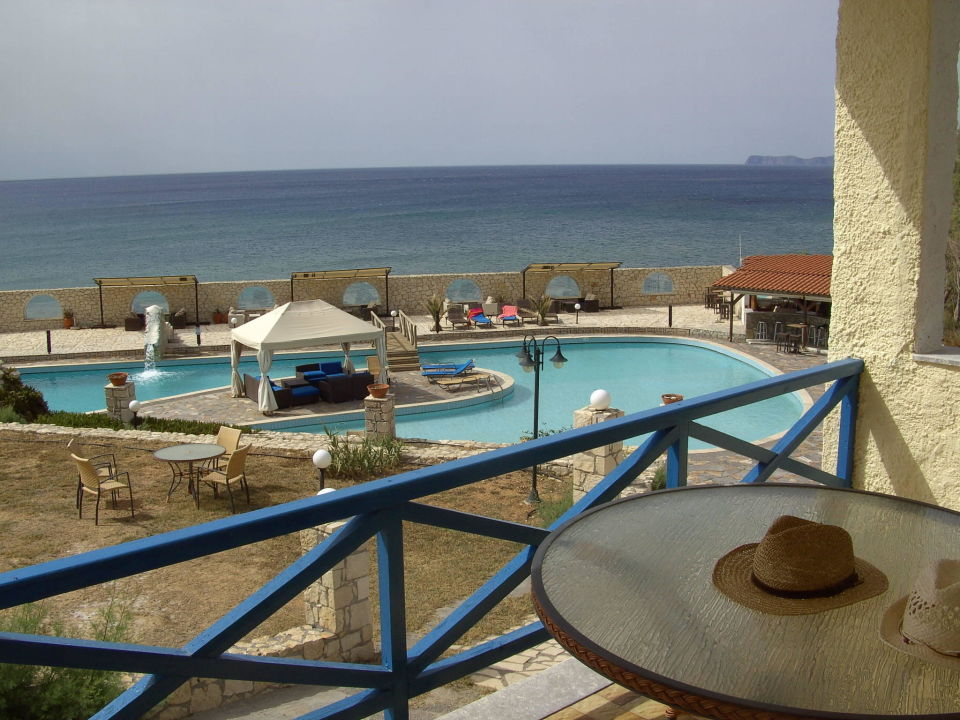 View Hotel Lassion Golden Bay