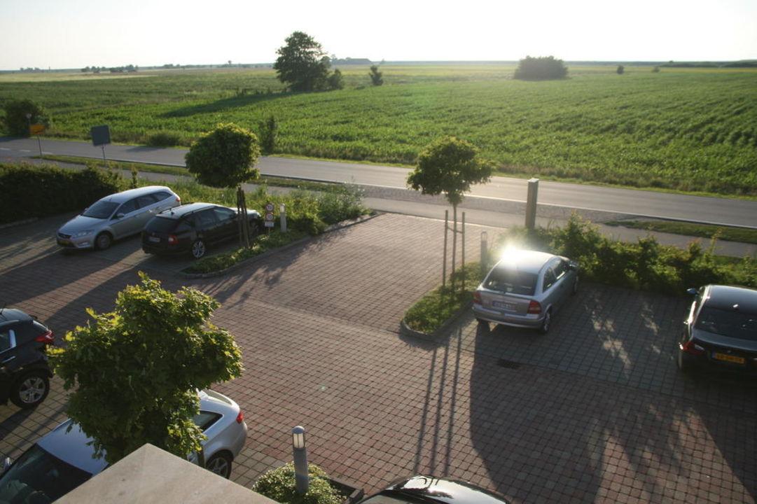Einfahrt vom Hotel Vitalis Greetsiel - Wohlfühl- & Thalassohotel