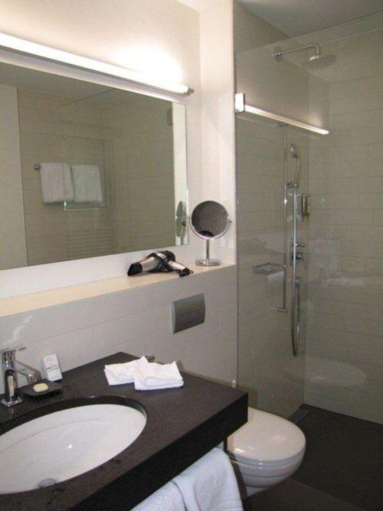 """Dusche Glaswand Mit Bild : Bild """"Dusche mit Glaswand"""" zu Romantik Boutique Hotel GuardaVal in"""