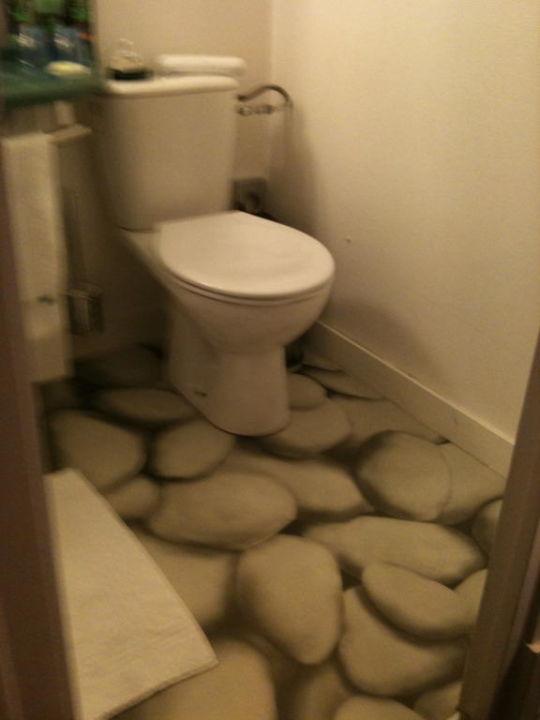 """Unterschiedlich WC mit PVC Boden im Bad"""" ibis Styles Hotel Paris République in  LZ62"""