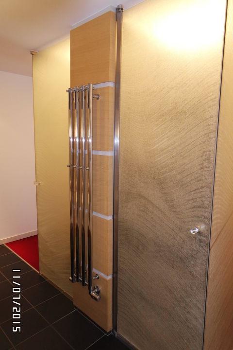 bild r ckwand vom bett zu hotel spa linsberg asia in. Black Bedroom Furniture Sets. Home Design Ideas