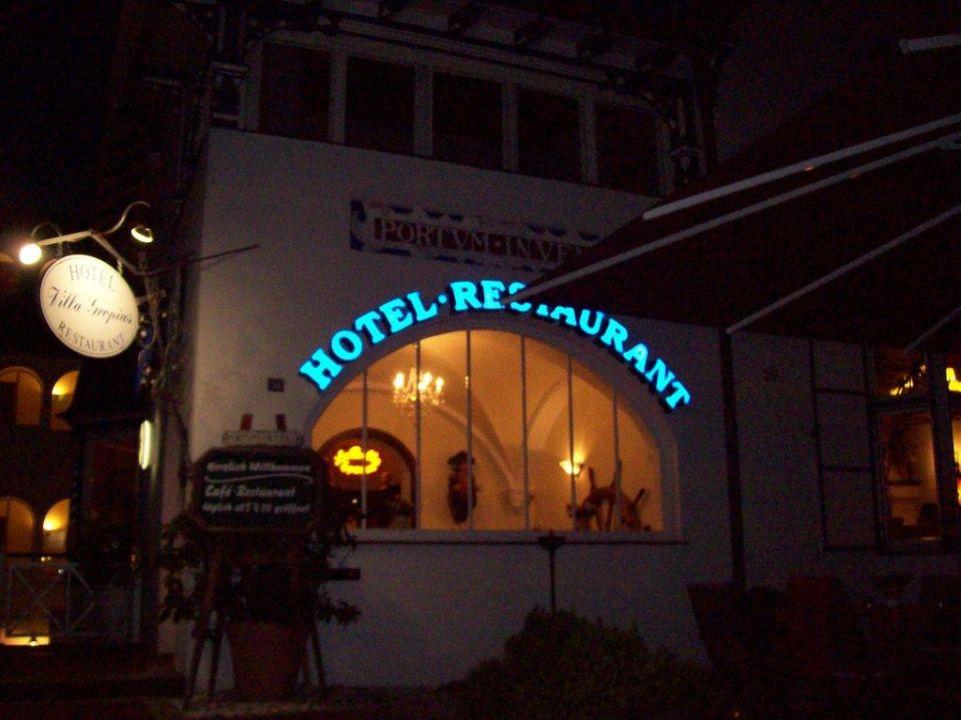 Strassenschild am Hotel Hotel Villa Gropius