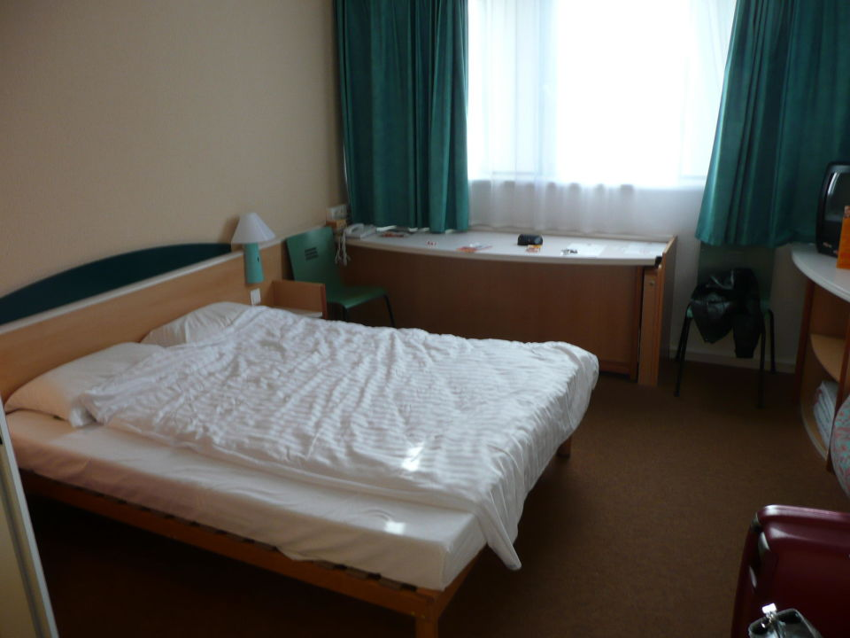 Ibis Budget Dusche Im Zimmer : Zimmer im 3. Stock 31 / 41 Badezimmer ...