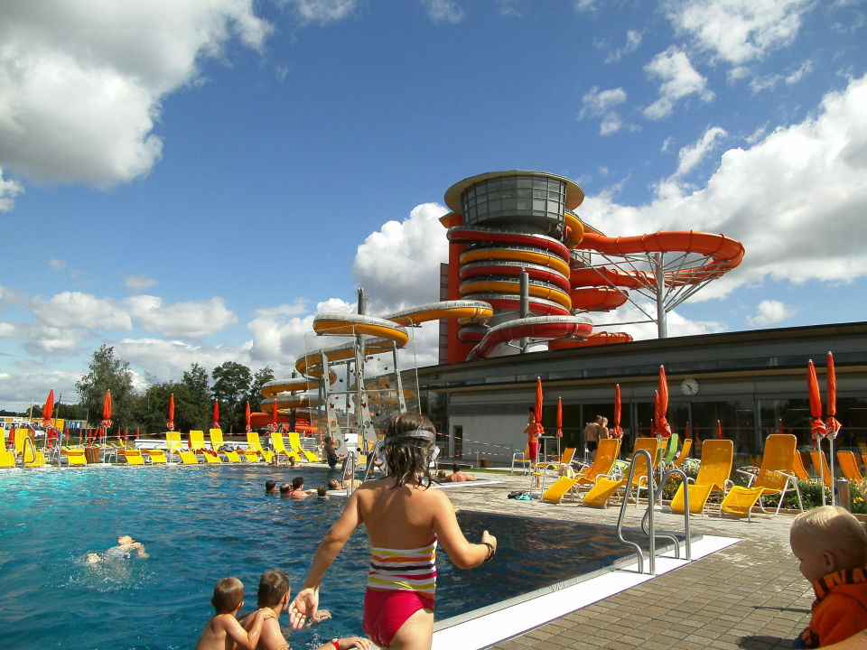 Silent Dome - Aussenbecken (Sonnentherme) Hotel Sonnenpark