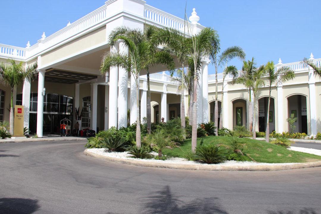 Haupteingang Hotel Riu Palace Bavaro