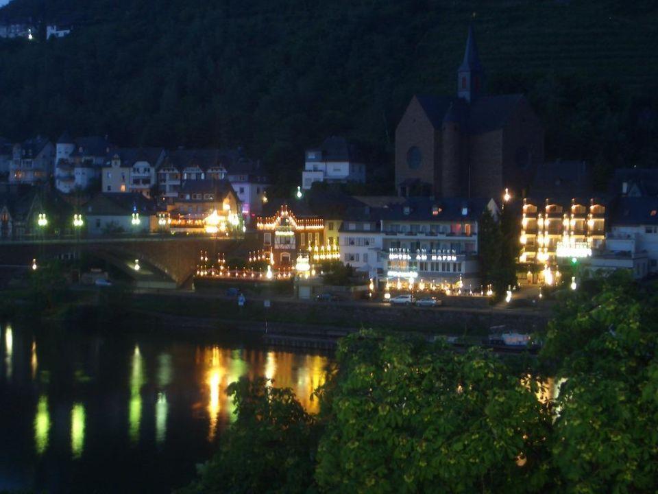Blick am Abend vom Zimmerbalkon Hotel Karl Müller