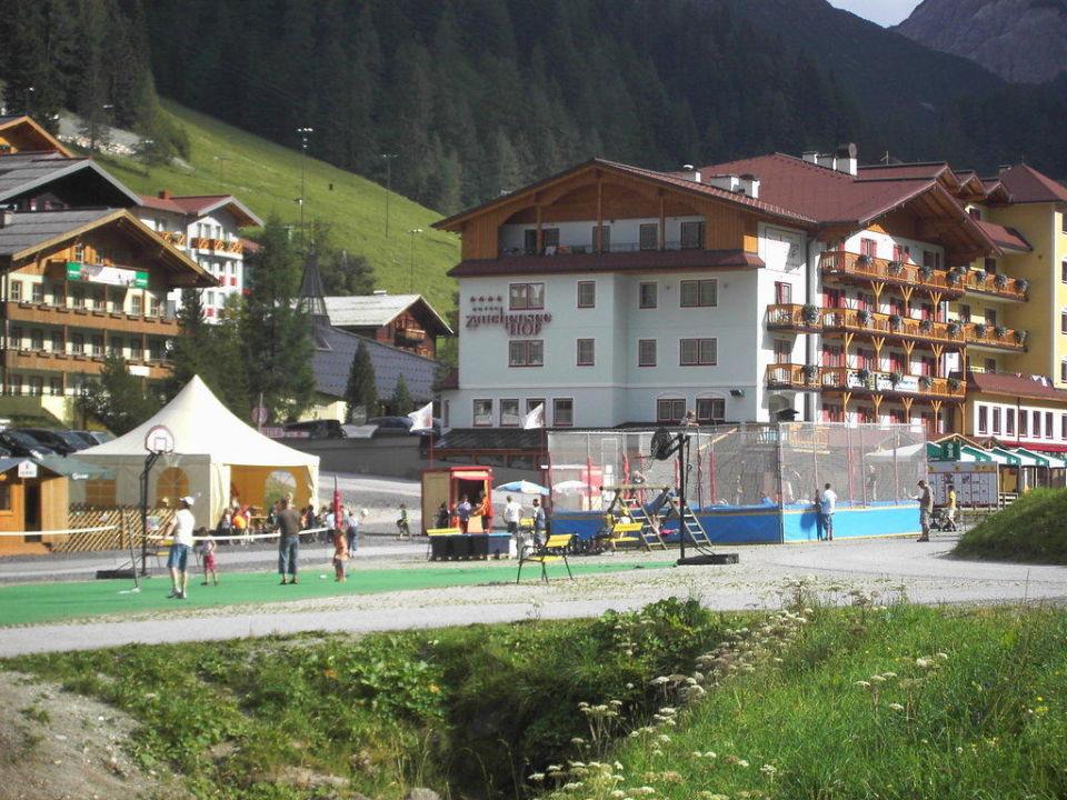 Aussenaufnahme Familotel Hotel Zauchenseehof