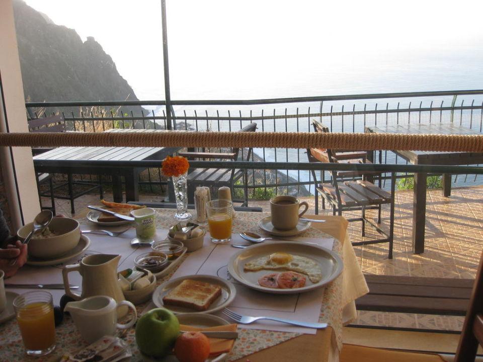 Frühstück mit Atlantikblick Vila Mia