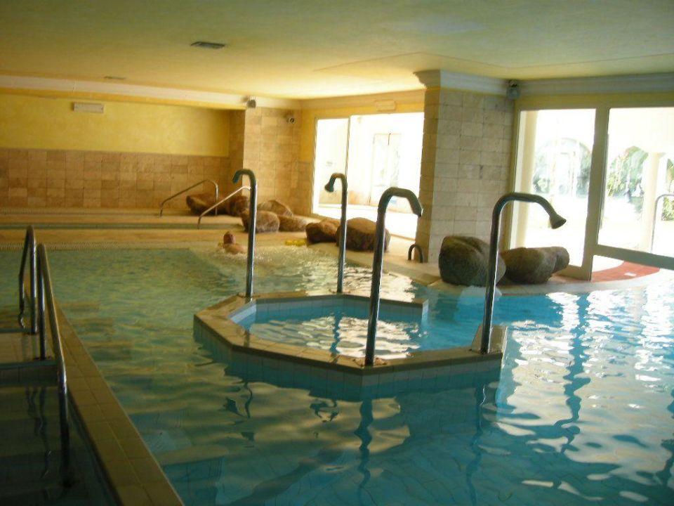 Бассейн Sighientu Resort